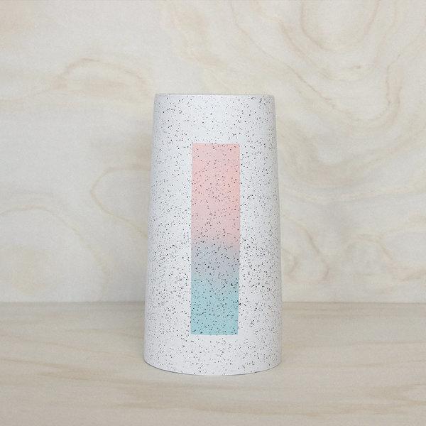Isolated Gradient Vase
