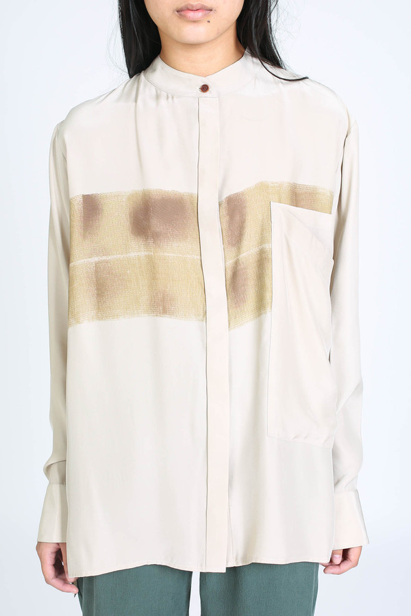 Vincetta Print banded collar shirt in sand