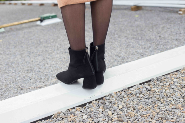 L'intervalle Soho Boots (Black Suede)