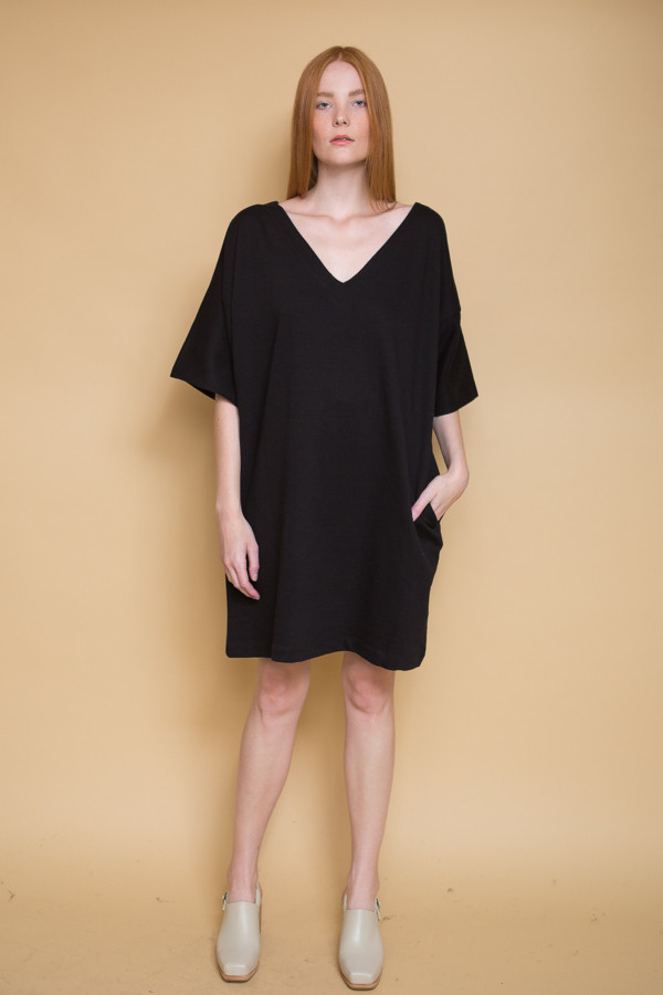 Kowtow Snap Shot Dress / Black