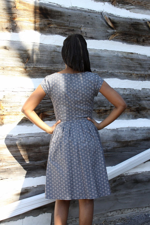 Birds of North America Peppershrike Dress (Grey)