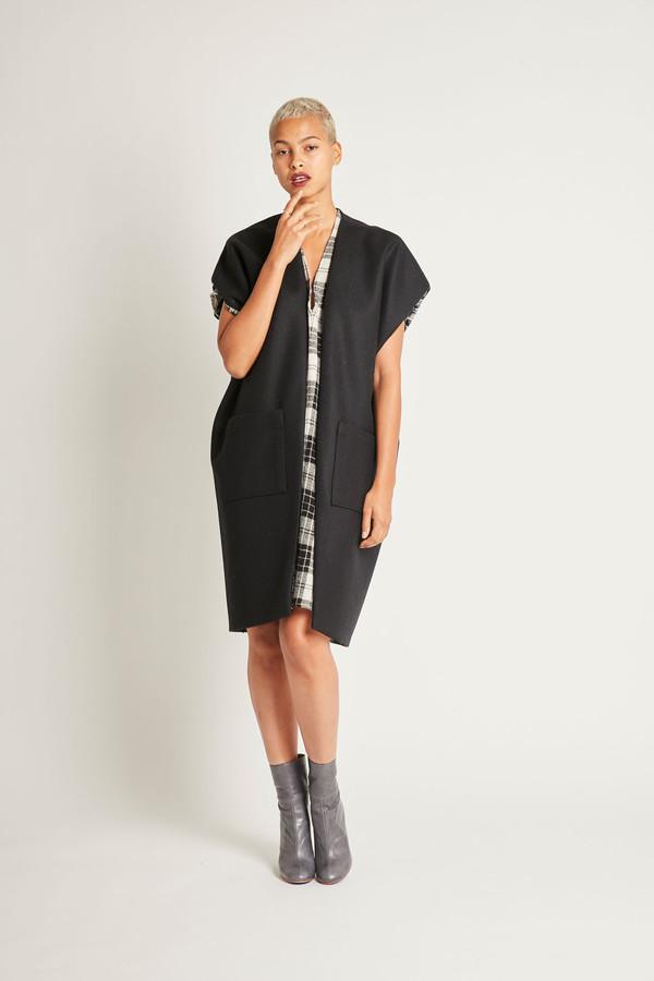 H. Fredriksson Round Vest in Black Wool