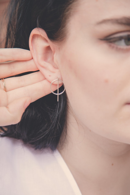Drift/Riot Circle Line Earrings