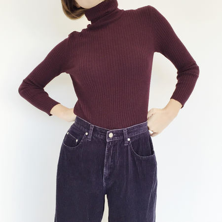 Johan Vintage Ribbed Plum Turtleneck