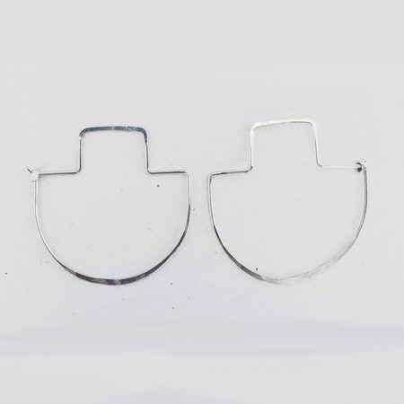 ERICA WEINER - FIBULA EARRINGS IN SILVER