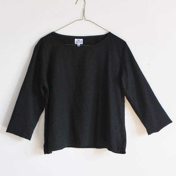 Me & Arrow Basic top - Black