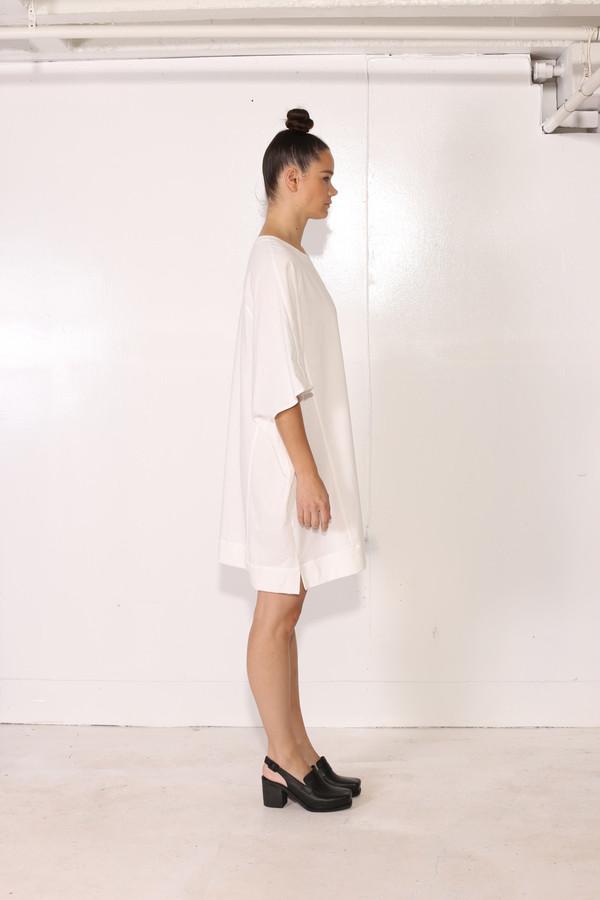 Intentionally Blank VINKA TEE White