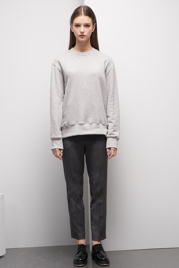 LOOKAST Basic Sweatshirt- Gray