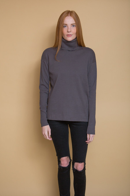 Kowtow Building Block Rib Roll Neck Top / Charcoal