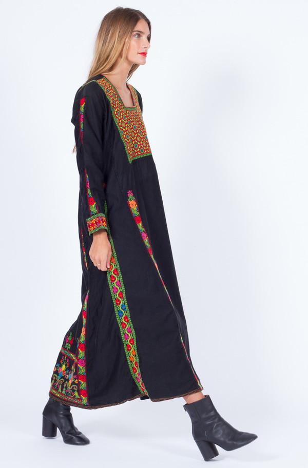 BLACK FOLK EMBROIDERY LONG DRESS (ONE SIZE)
