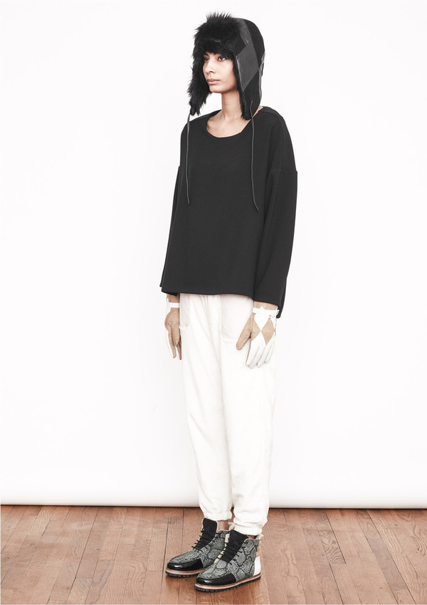 Berenik BASIC CREWNECK TOP