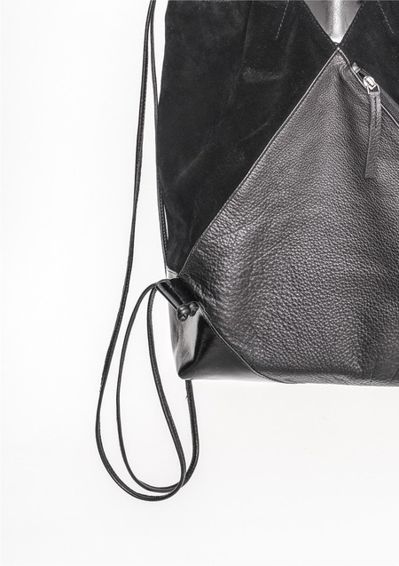 Berenik Bagpack - Drawstring Black Shiny/Matt Leather