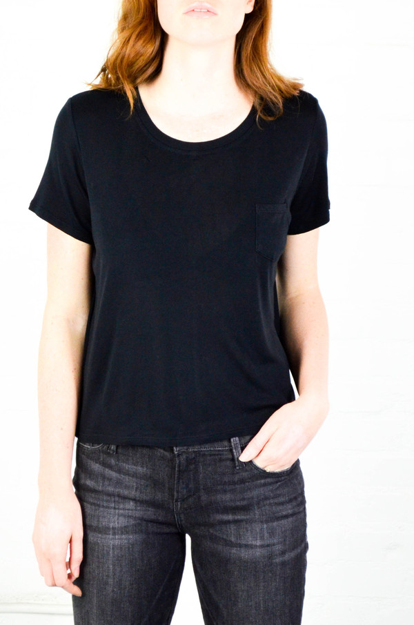 FRAME Denim FRAME 'Le Easy Tee' in Noir