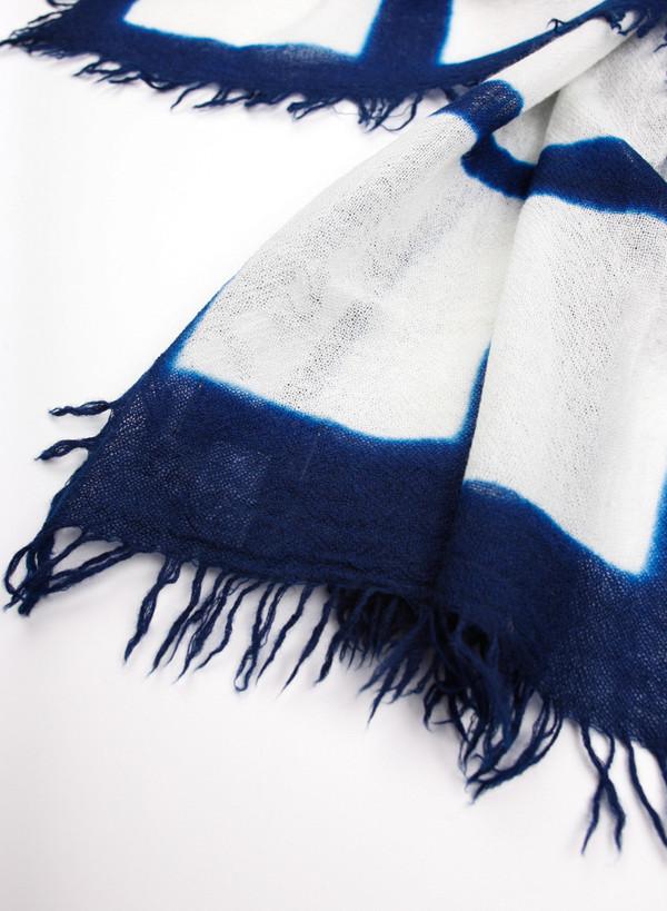 "Unisex Knitted Grid Line ""Arimatsu Itajime"" Tiedye Wool Stole"