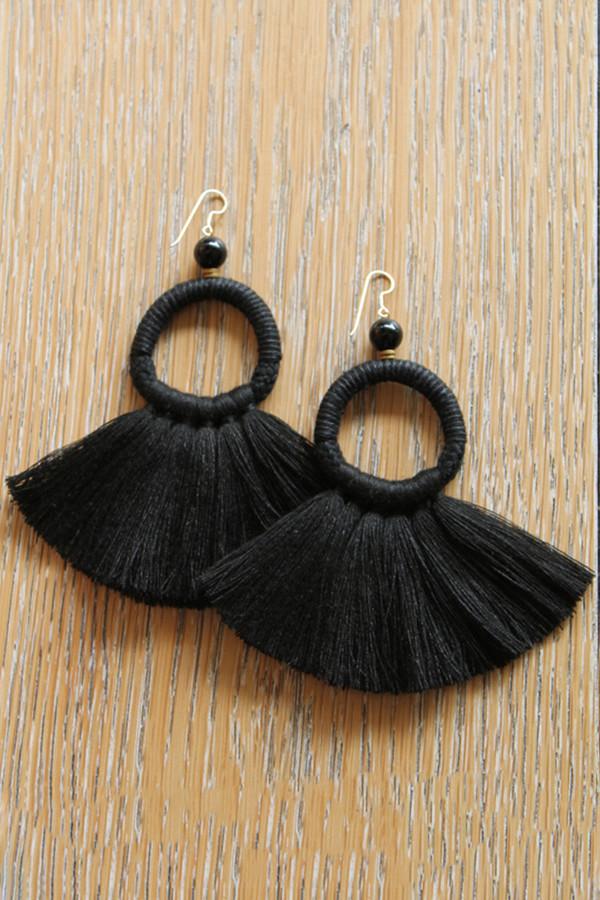 ora-c oly earrings in black