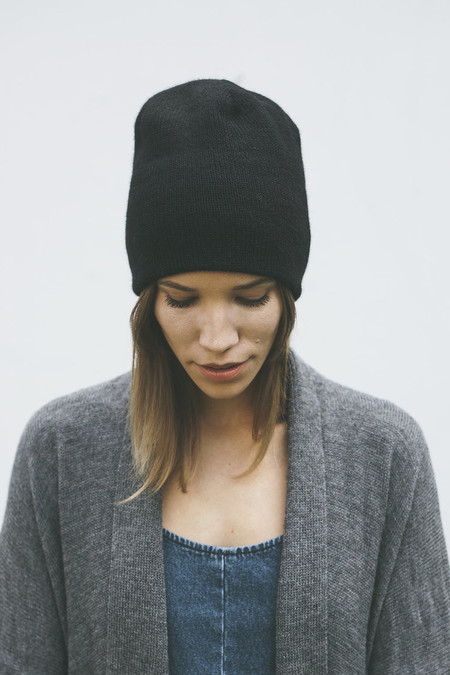 Bare Knitwear Andes Beanie in Black