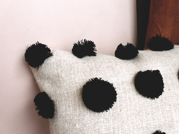 Scout & Catalogue CASA BONITA CUSHION - BLACK POM POM