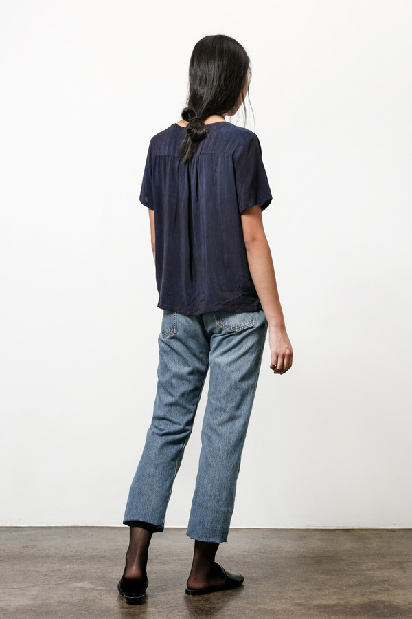 Osei-Duro Note T in Silk Crepe Natural Indigo