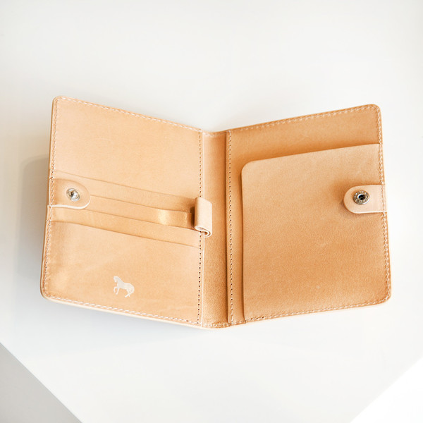 The Horse Passport Cover Vegetable Tan