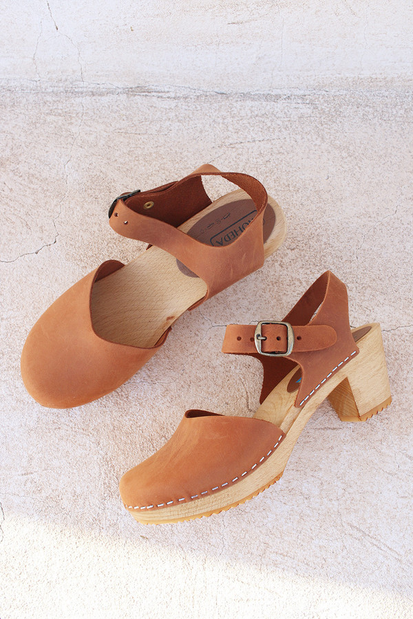 Moheda Dolly Clog in Cognac