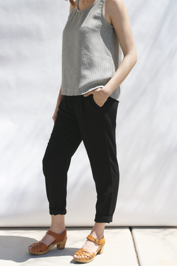 High Waist Cropped Trousers in Black