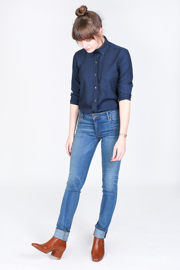 Vert & Vogue Laura Button-Up in Solid Navy
