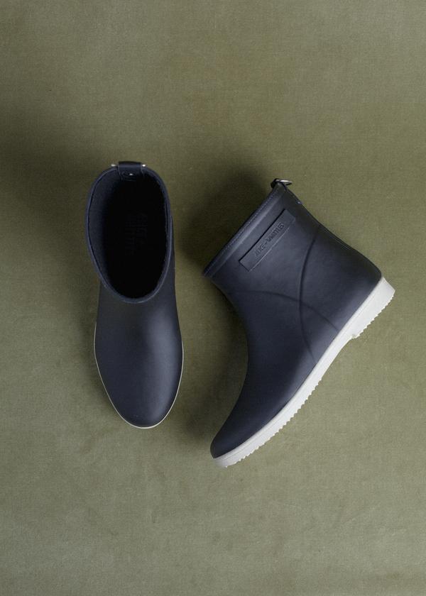Alice + Whittles Rubber Boot - Black on White