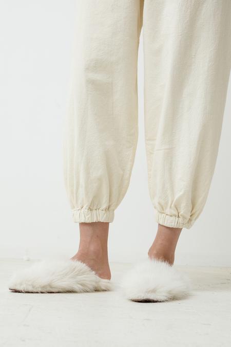 A Bronze Age Yoon Plush Babouche - halo white