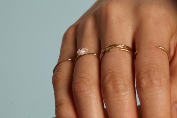 WWAKE Irregular Pearl Ring