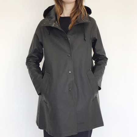 Stutterheim Mosebacke Raincoat in Black