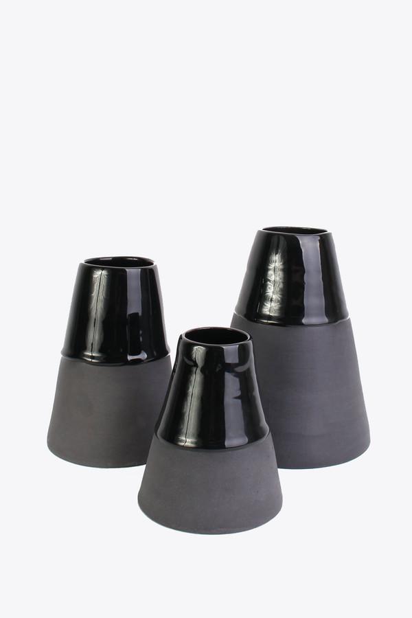 BTW Ceramics Large vase in back in black series