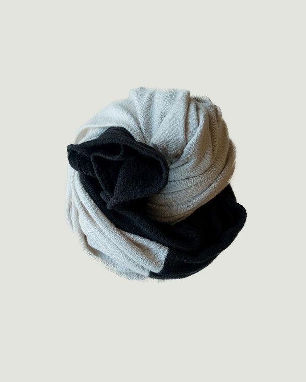 esby COLORBLOCK LARGE SCARF - BLACK/IVORY