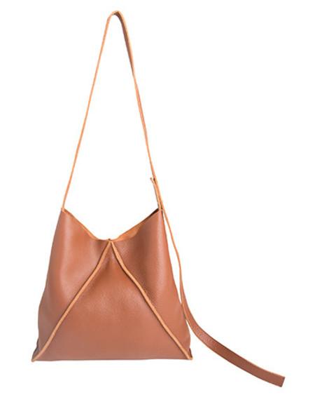 Oliveve jasper shoulder bag in cognac pebbled leather