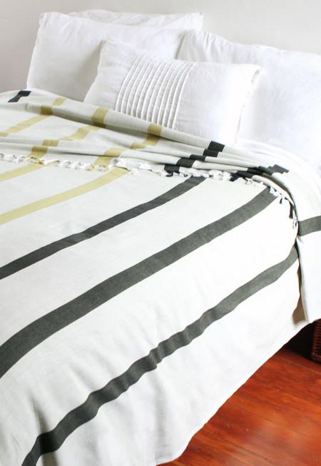 Khala Wide-striped Bedcover