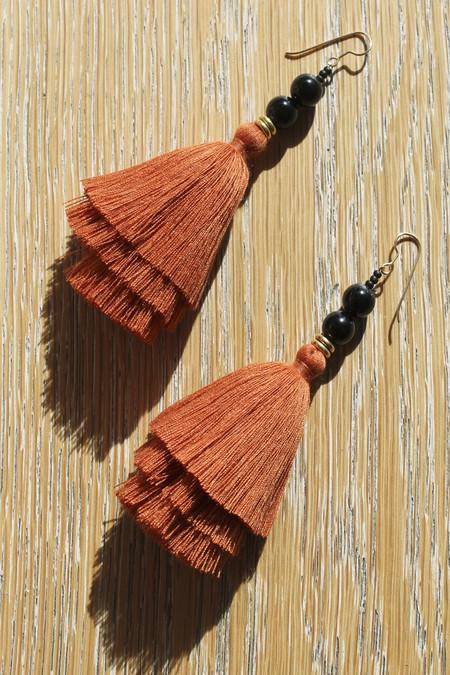 ora-c nina earring in rust