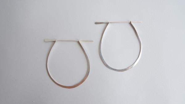AOKO SU Dagger Earrings - Silver