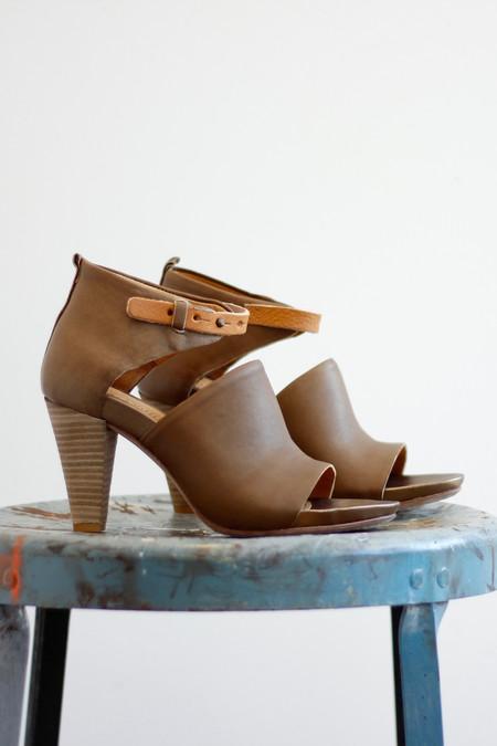 Humanoid Sada Solid Sandal