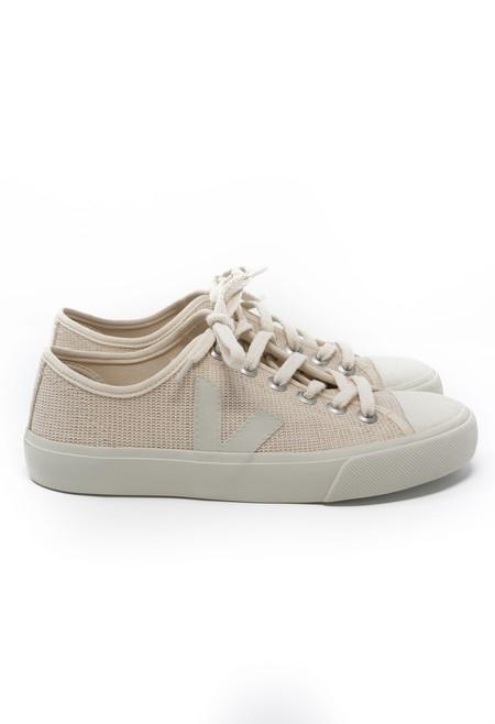 Veja Wata Sneaker in Natural Pierre