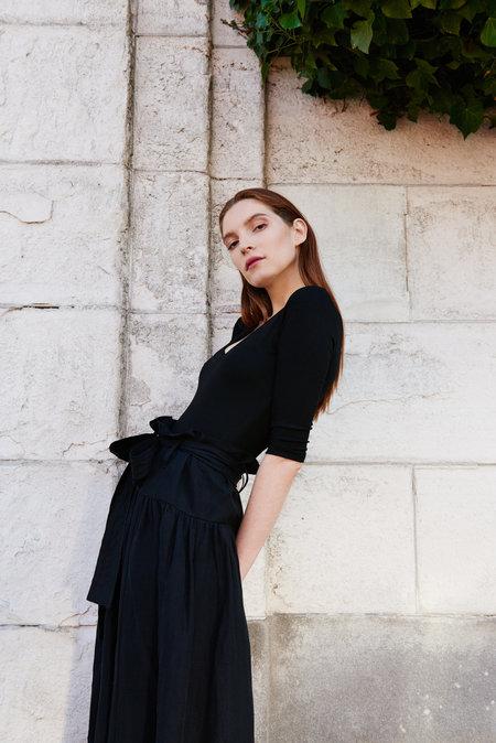 KAMPERETT Le Tour Silk Linen Paperbag Skirt - Black