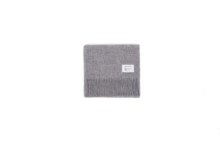 "Norse Projects x JOHNSTONS LAMBSWOOL SCARF ""MOUSE GREY"""