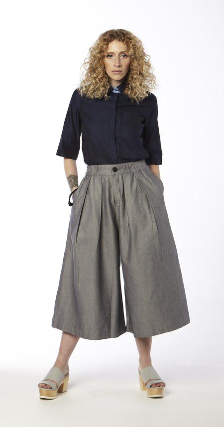 Jennifer Chun  Cutaway Collar Short Sleeve Oxford