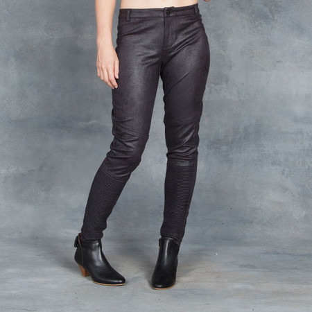 Tart Lilly pant in black