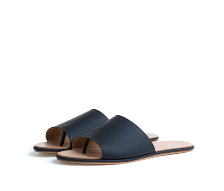 THE PALATINES CAELUM SLIDE - BLACK PEBBLED LEATHER