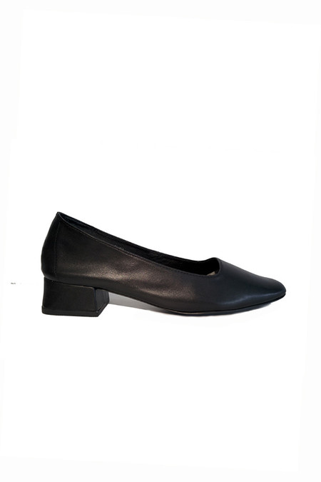 Intentionally Blank Cola Low Pump - Black
