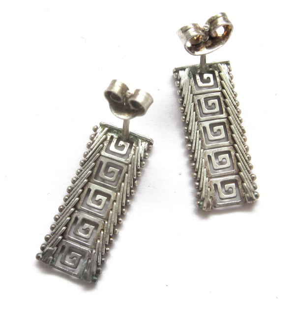 Silver flat pattern earrings
