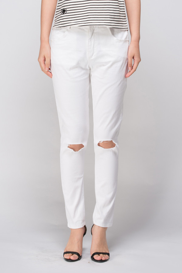 Few Moda White Urban Busted Knee Boyfriend Jeans