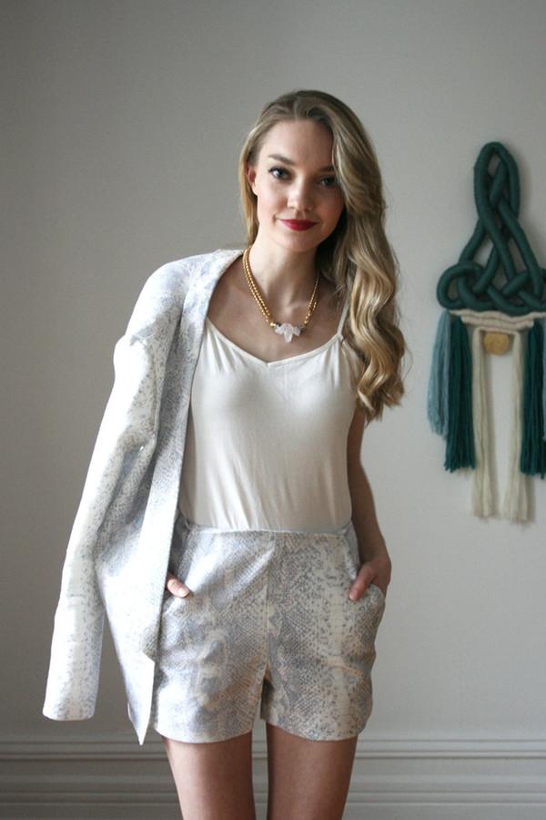 Valérie Dumaine Alvin Shorts