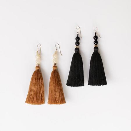 Ora-C Lina Earrings - Black / Camel