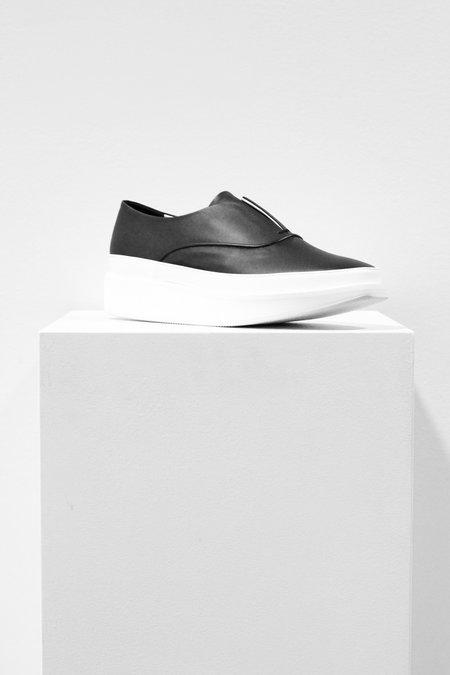 Wite Oxford Slip On Shoe In Black