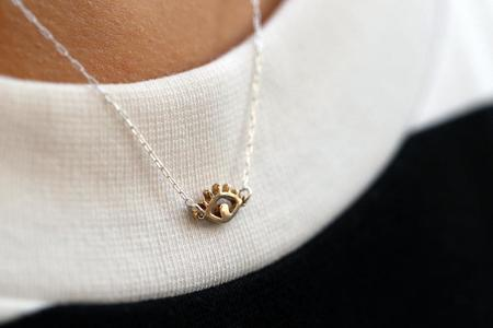 Upper Metal Class Eye Necklace